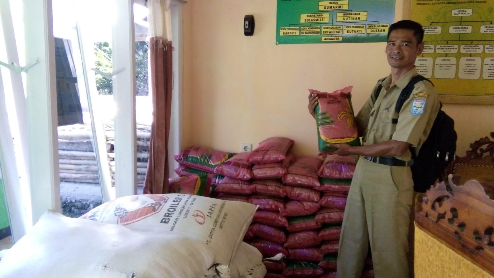 Poktan Sri Lestari Dagan Mendapat Bantuan Padi