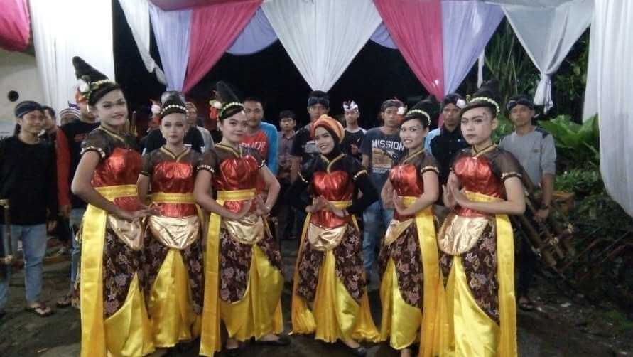 Grup Kesenian Thek-Thek Desa Dagan