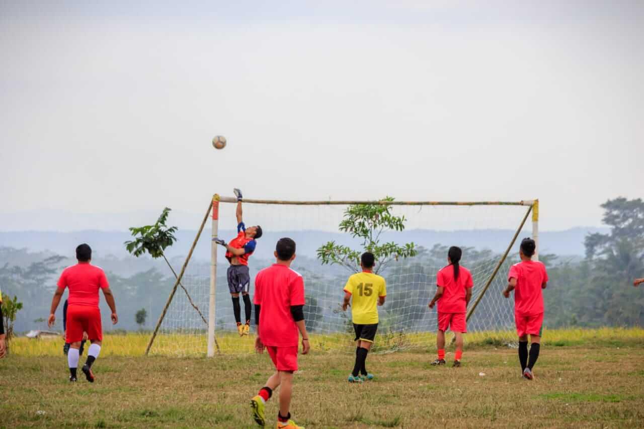 Sepak Bola: Salah satu lomba yang digelar Panitia Peringatan HUT ke-73 RI tingkat Desa Dagan